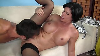 Hot mature keeps it deep in her cunt while moaning and rubbing her jugs