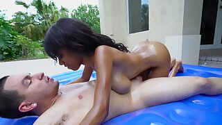 Interracial outdoor sex right after massage procedure