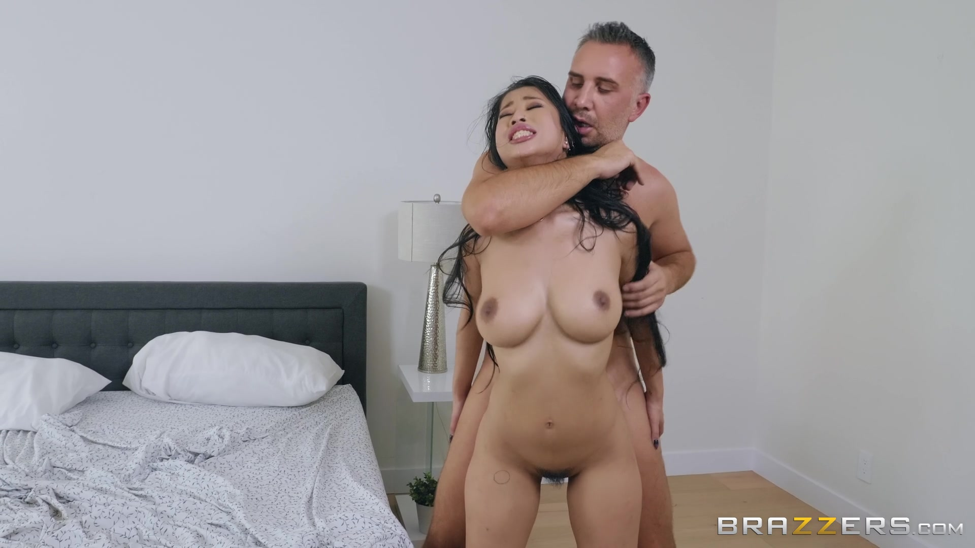 After a blowjob Jade Kush got her tight pussy fucked on the bed